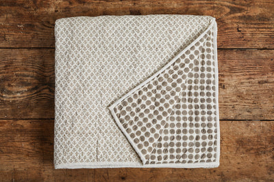 Les Indiennes Tania Dot Camille Quilt, French Grey
