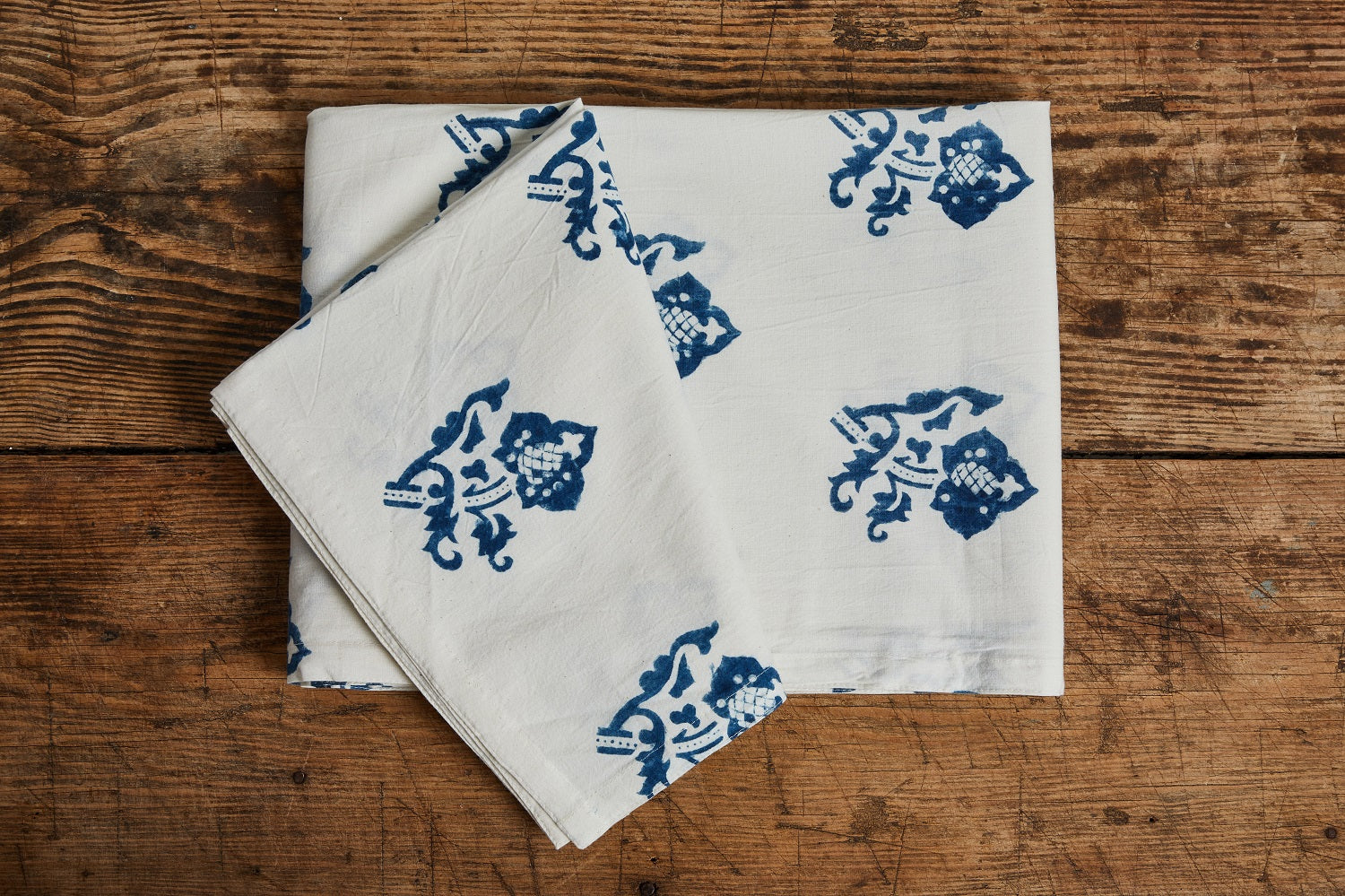 LES INDIENNES SOPHIE SUMMER BED COVER, INDIGO