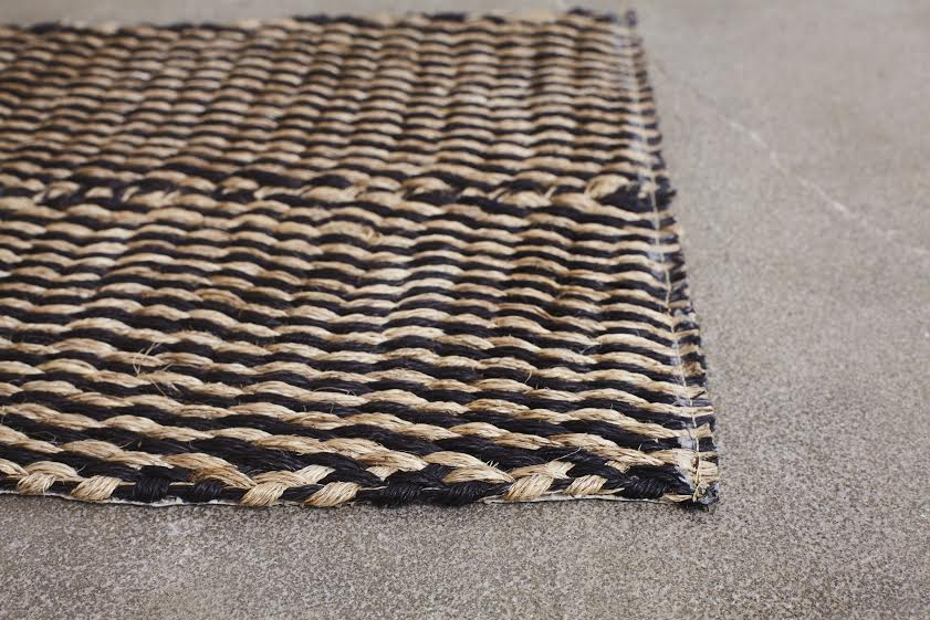 BLACK DIAGONAL HANDBRAIDED FIQUE DOOR MAT