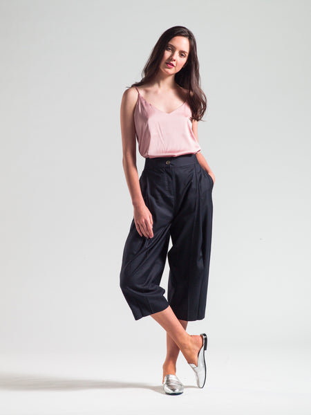Calf-length Tapered Pants