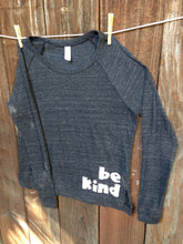 Load image into Gallery viewer, Women's be kind boyfriend tee