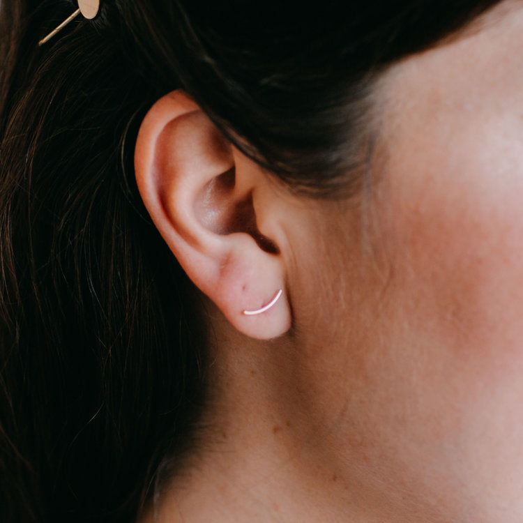 Arc Curve Post Earrings