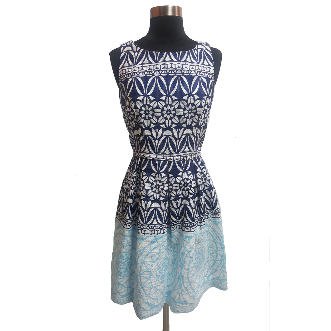 Just... Taylor Pleated Pattern Sleeveless Dress
