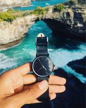 The Boston- Black Leather Strap