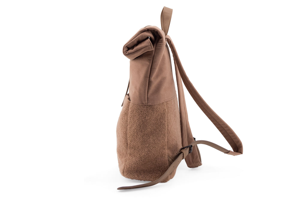 Ullar Cacao herb bakpoki /  Herb backpack in Cacao Wool