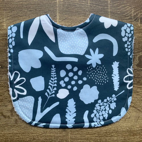 Tilda & Moo X Mosey Me Garden Party Midnight Classic Bib