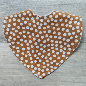 Dot Tikka Triangle Bib