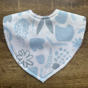 Tilda & Moo X Mosey Me Garden Party Baby Blue Triangle Bib