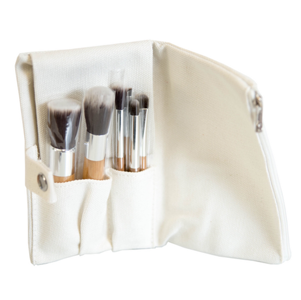 Pure Anada | Vegan brush ensemble /  Set de pinceaux véganes