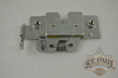M0069 02A8 Genuine Buell Seat Latch Assembly Xb 1125 Models L18B