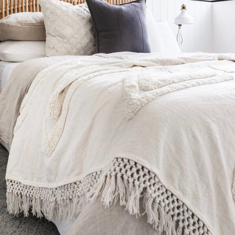 Willow & Beech Collection - Madlenka Tassel Throw White LIMITED EDITION KING SIZE