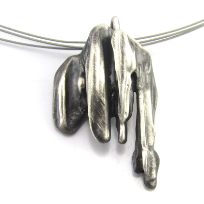 contemporary silver necklace