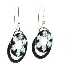 Load image into Gallery viewer, Swinging Snowflake Black and White Earrings