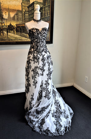 White And Black Applique Vintage Wedding Dress
