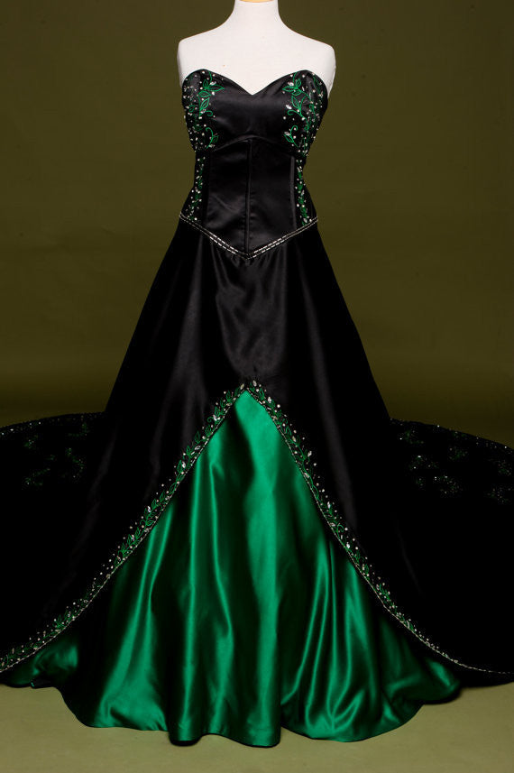 Gothic Vintage Wedding Dress / Color Options Available