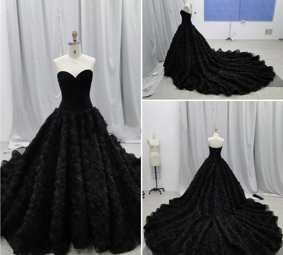 Gothic Handmade Flower Chapel Wedding Dress