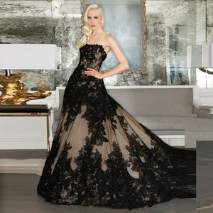 Strapless Vintage Lace Appliqued Bridal Dress