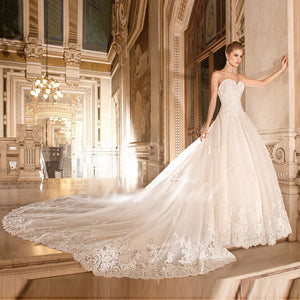 Wedding Dress A-line Sweetheart Appliqued Lace Detachable Cathedral Train