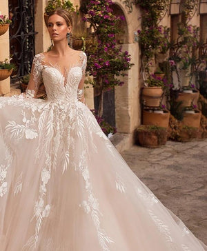 Appliques Tulle Wedding Dress
