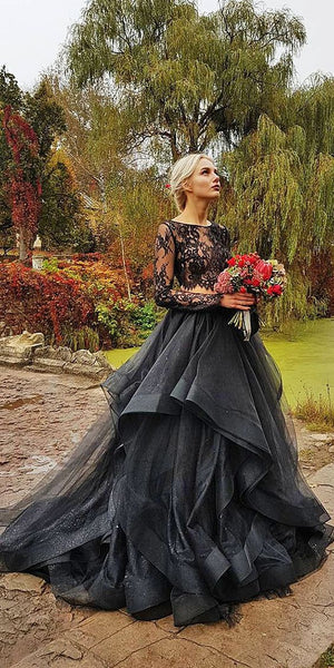 Vintage Tulle Gothic Wedding Dress With long Sleeve