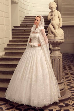 Luxury Romantic Ivory Lace Wedding Dress With Shawl
