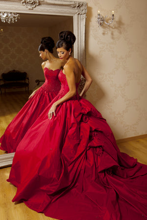 Vintage Gothic Red Wedding Dress