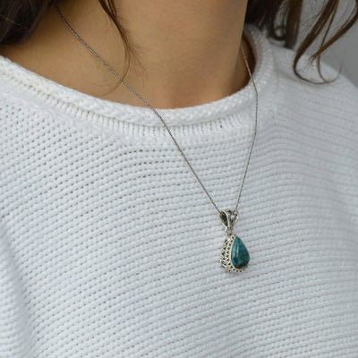 Necklaces - Turquoise Stone Necklace