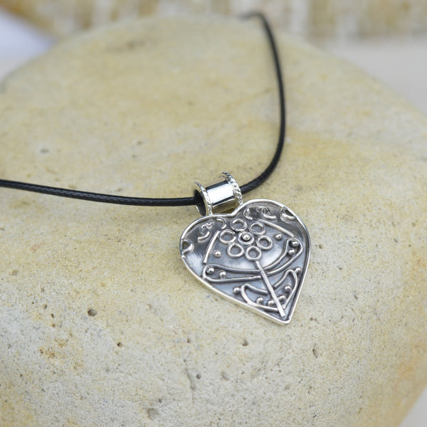 Necklace - Heart Choker