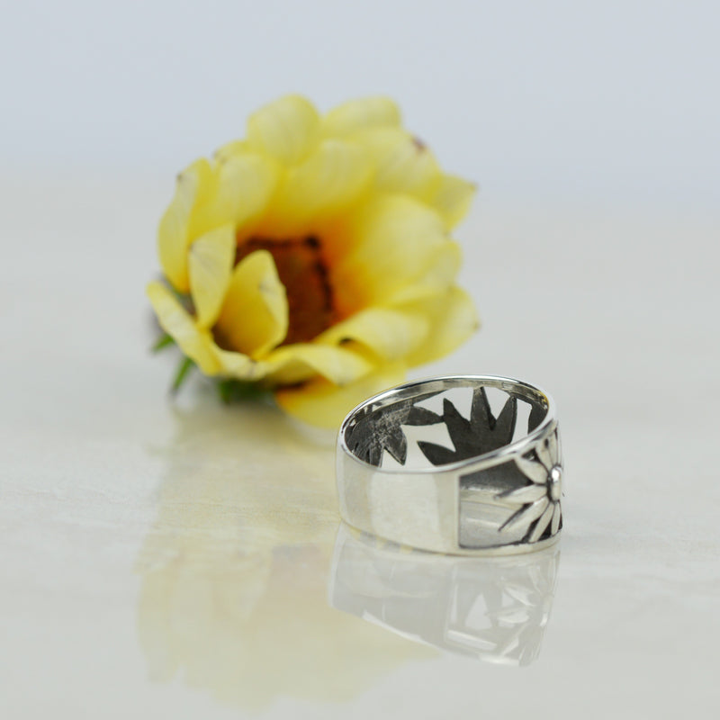Rings - Flower Power Wide Band Ring