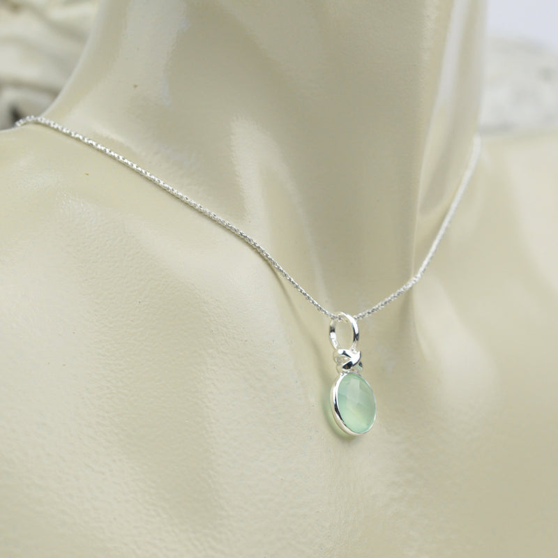 Necklaces - Green Chalcedony Necklace