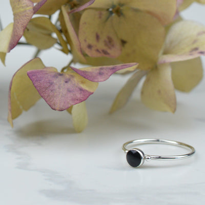 Rings - Dainty Black Onyx Ring