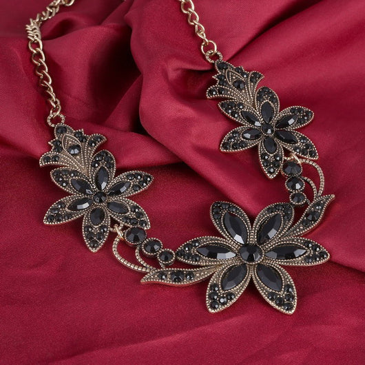 Gothic Black Crystal Flower necklaces