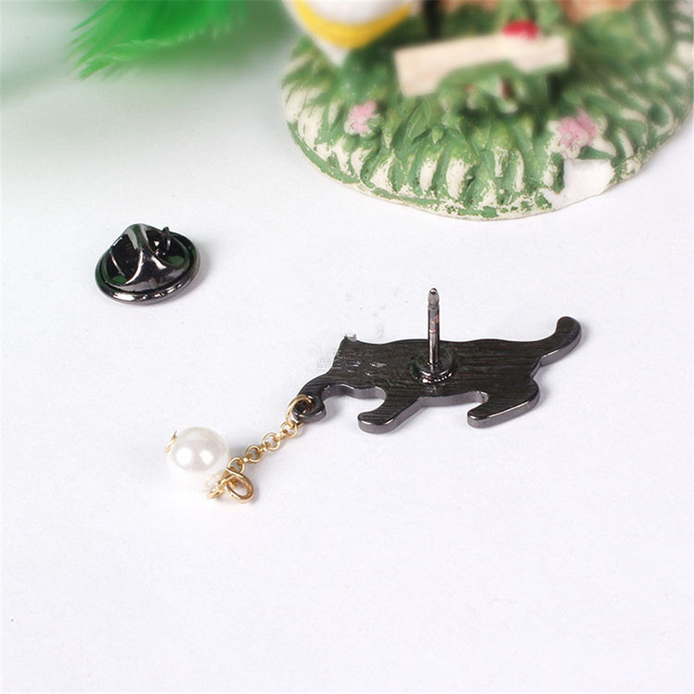 Cute Cat With Pearl Ball Brooch Pin