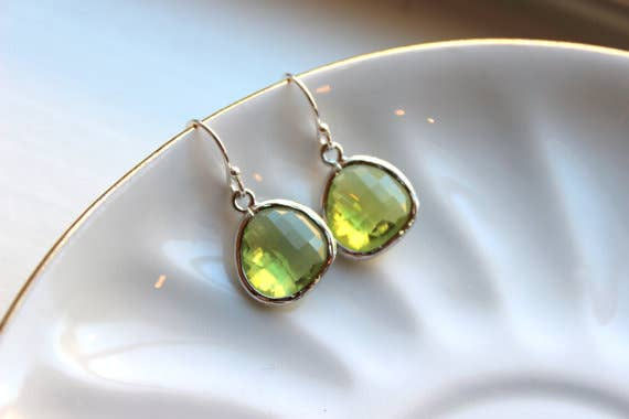 Peridot Earrings Apple Green Gold 8999