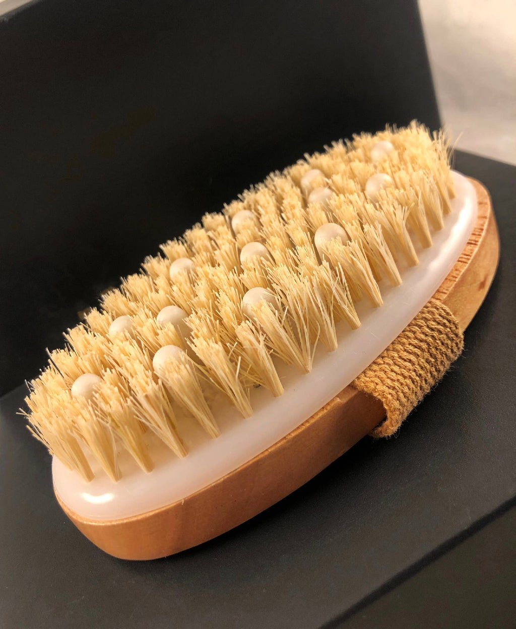 MAYA Cosmetics - Beard Brush with Massager