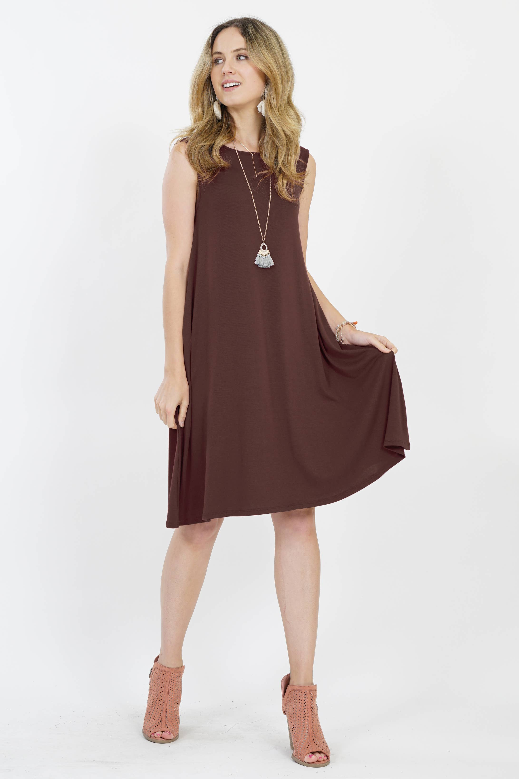 POCKET DRESS|| BROWN SLEEVELESS FLARED DRESS WITH SIDE POCKETS