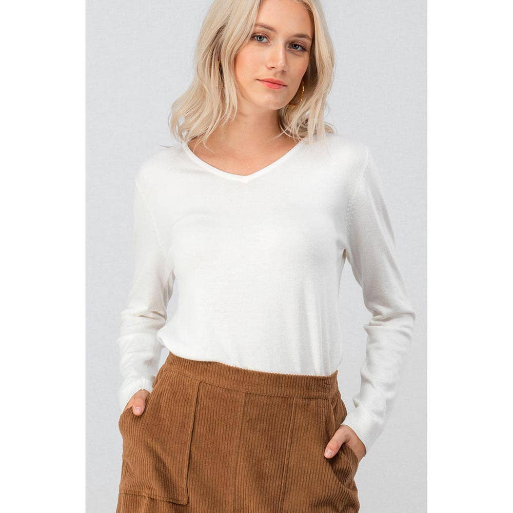 IVORY BASIC V NECK KNIT TOP