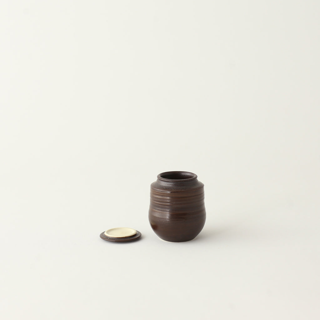 Canister Brown