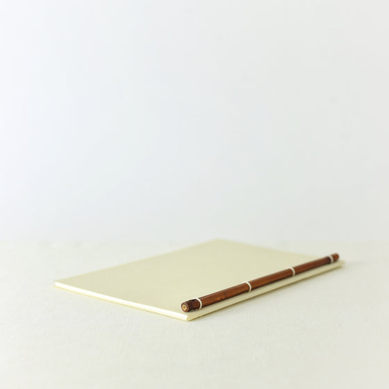 Japanese notebook, Handmade, Handcrafted, Paper, Bamboo pulp paper, Washi, Blank pages, Ivory colour, Made in Japan.