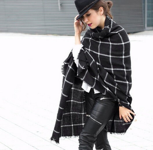 Womens Diviely Plaid Shawl