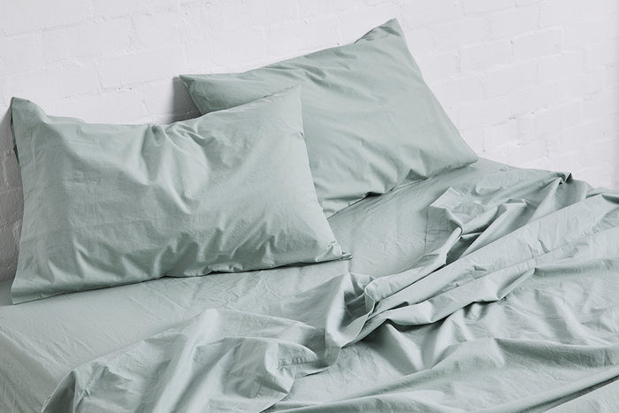 In Bed Washed Cotton fitted sheet sage green