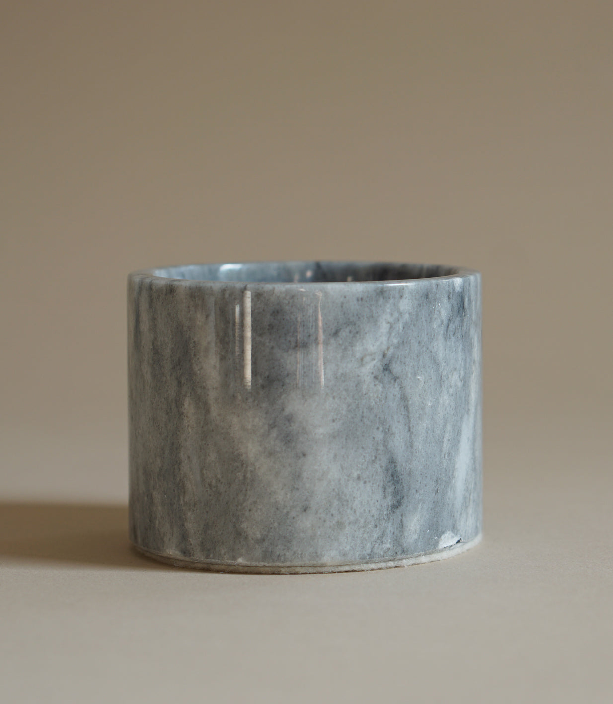 002 ROOTED INCENSE HOLDER IN GRAY - MAAARI