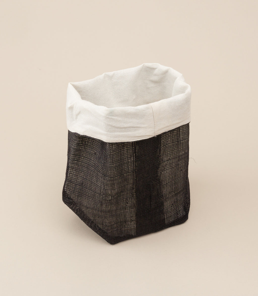 SMALL PINANGABOL BUCKET / SOLID BLACK - MAAARI