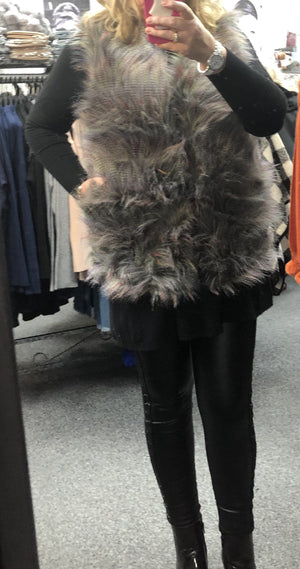 Fiona Faux Fur Gilet - Lulu Bella Boutique