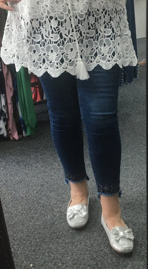 Get your hands on these gorgeous Stud Detail Cut Out Bottom High Waist Skinny Jeans. These are perfect for the summer when paired with wedges or heels.  Available in size 10 to 20.