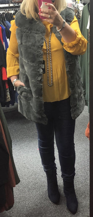 Abi Faux Fur Gilet - Lulu Bella Boutique
