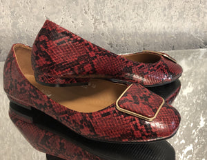 Kylie Snake Print Loafers - Lulu Bella Boutique
