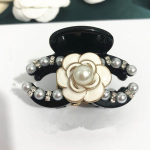 Kelly Pearl and Floral Detail Hair Clip - Lulu Bella Boutique
