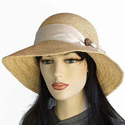 Fedora in faux suede and knitted top