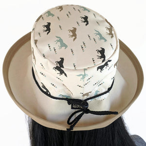 133 Sunblocker UV summer hat sun hat with large wide brim featuring horses